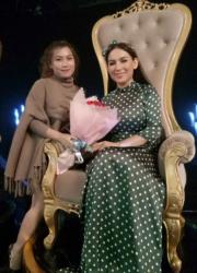 Phi Nhung & Mina Lee